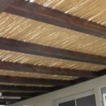 פרגולת עץ עם מאוורר תקרה