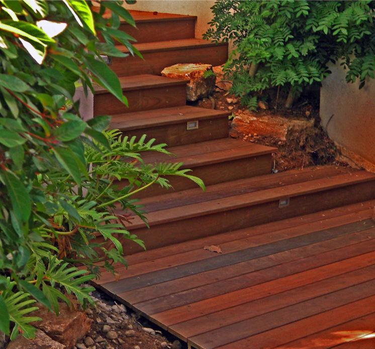 מדרגות עץ 2