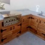 מטבח חוץ בסגנון כפרי